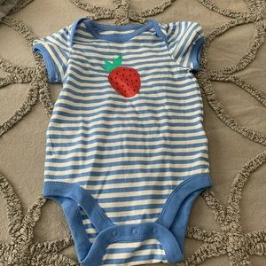 NWT Gap Striped Short Sleeve Onesie 6-12M